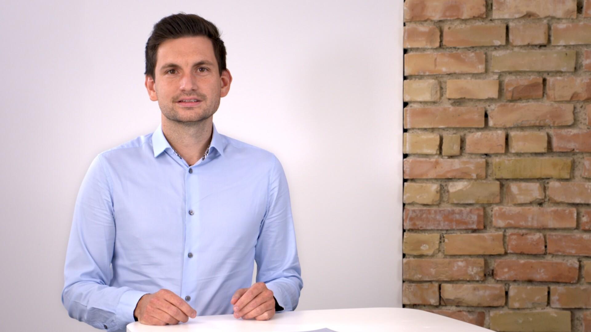 Projektingenieur Johannes Metzger stellt die Trassierungsräume im Detail vor