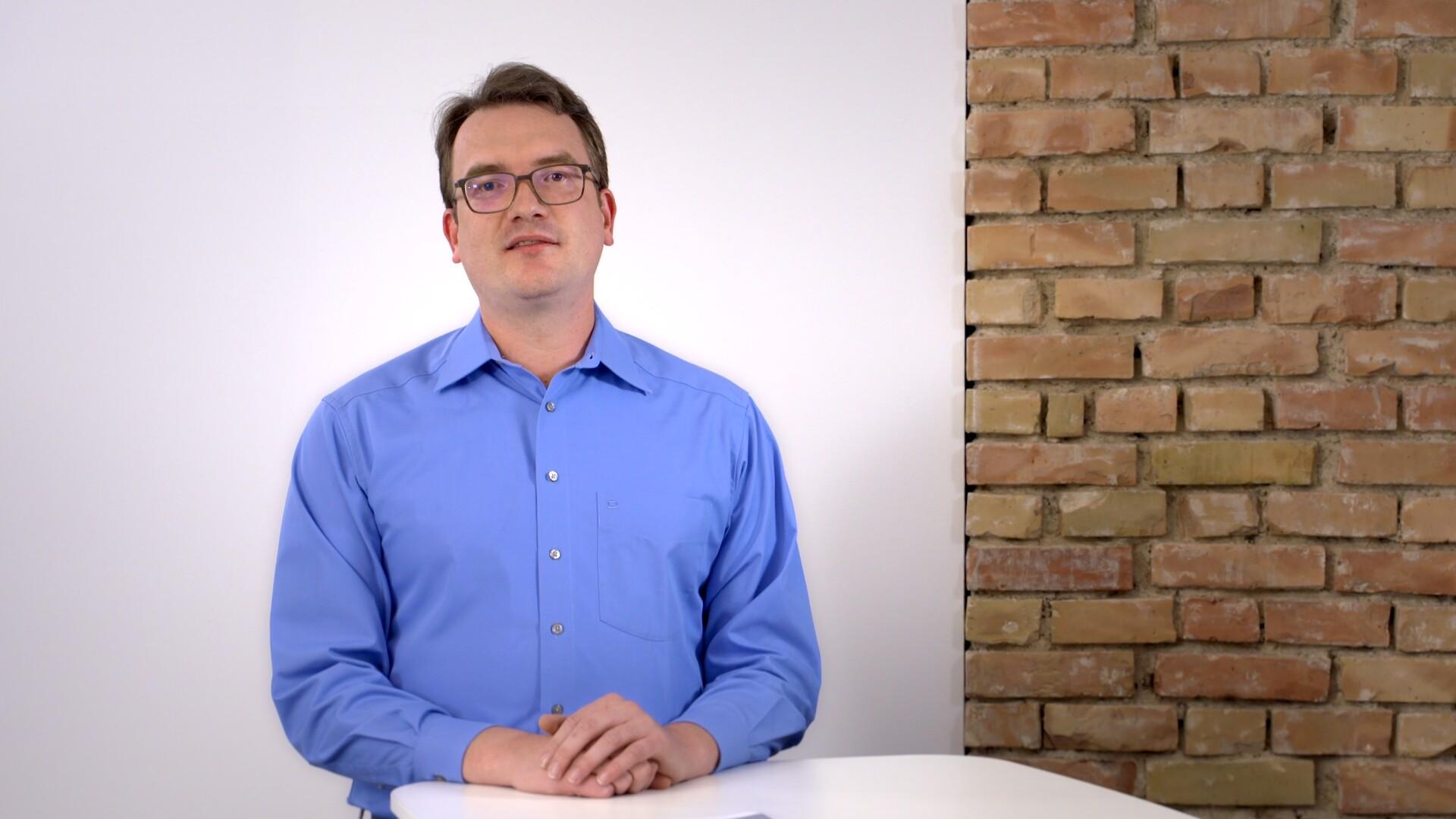 Projektingenieur Matthias Bürle erklärt, wie ein Großprojekt geplant wird